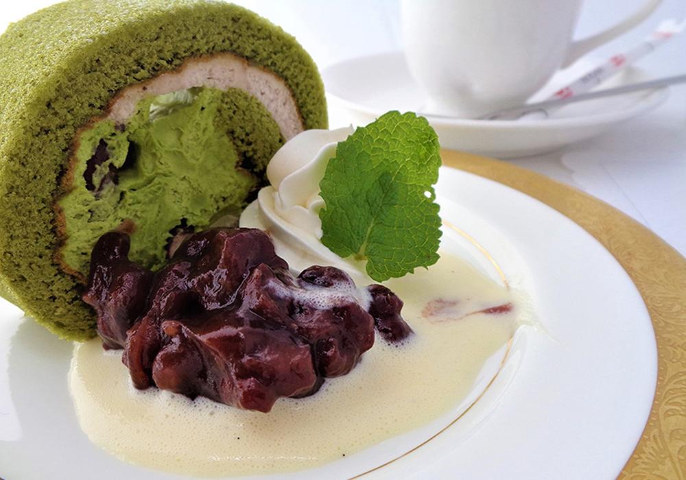 抹茶ロールケーキセット